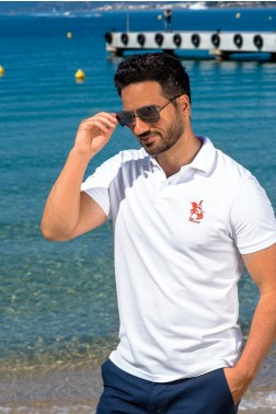 Baronet Custom Fit Poloshirt in Weiss mit Roter Stickerei